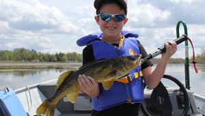 Show 12: Ontario's Giants, Guided Hunts and Lake Scugog Walleye
