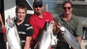 Show 21: Fishing in Port Credit, ICAST update and Bowfishing for Asian Carp